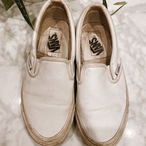 (Used) WHITE SLIP ON VANS // Size 6.5W